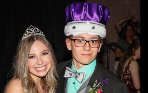 Class Officers Plan an Enchanting Prom